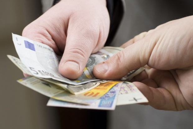 Premier: ustawa o frankowiczach w obecnym kształcie zdestabilizuje system bankowy