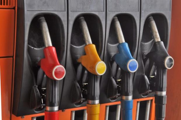 Na stacjach paliw będzie taniej