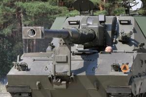 Pierwsza armatohaubica Krab na polsko-koreańskim podwoziu