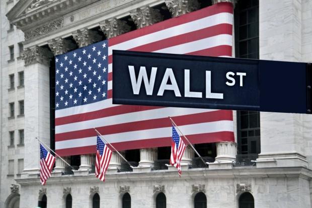 Kolejny dzień spadających notowań na Wall Street