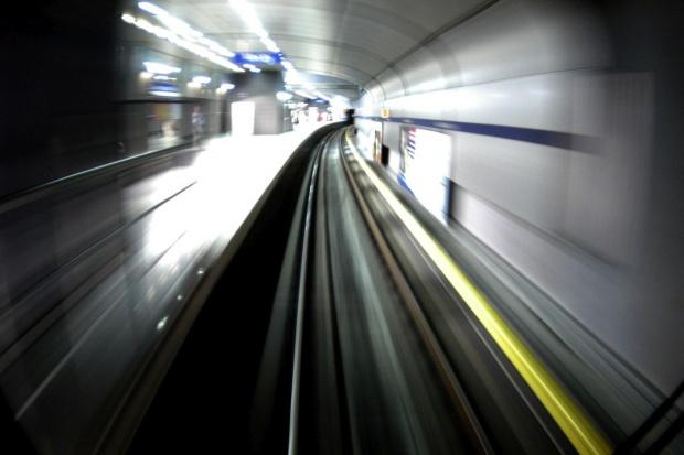 Będą częstsze kursy pociągów metra w Warszawie