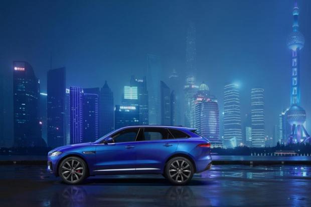 Jaguar prezentuje pierwsze zdjęcia crossovera F-Pace