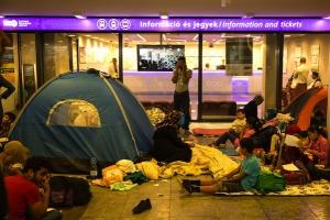 Austria wstrzymuje komunikację kolejową z Węgrami z powodu migrantów