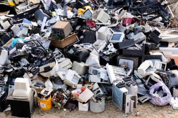 Posłowie za poprawkami Senatu do ustawy o elektrośmieciach