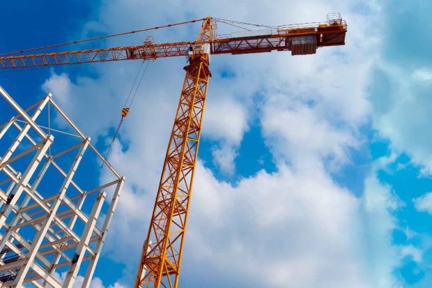 Inwestycyjne zabiegi publiczne kontra wzrost gospodarczy