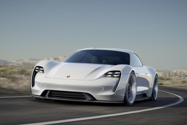 Porsche Mission E - czteroosobowy e-sportowiec