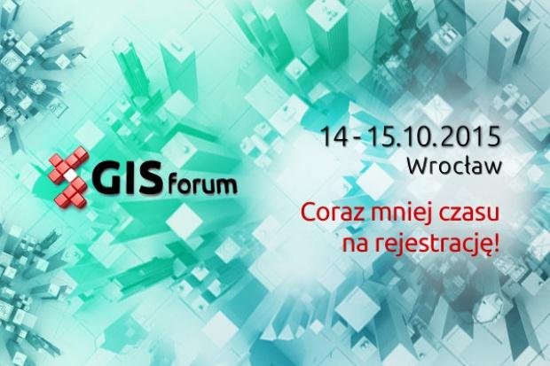 GISforum 2015: debata, nowości technologiczne i... złoty pociąg