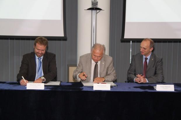 Lotos z umową na budowę wytwórni tlenu dla programu EFRA