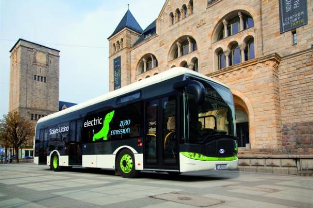 Elektrobusy w Warszawie: dwa miesiące służby