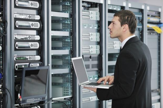Rosnące koszty najczęstszą przyczyną korzystania z zewnętrznych serwerowni
