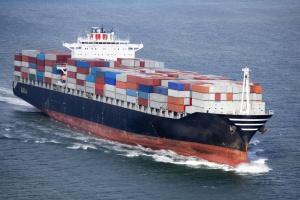 Rekordy: pojemności kontenerowców i nierównowagi rynku