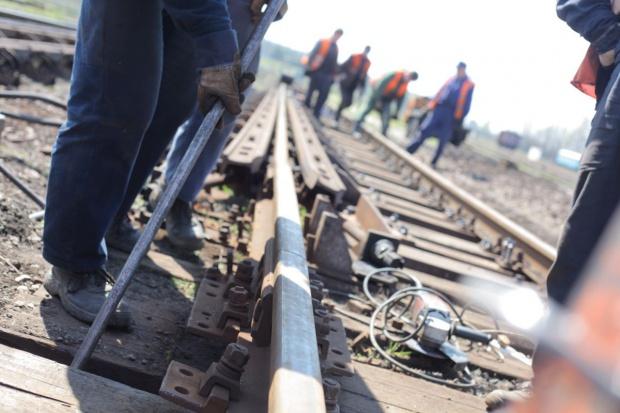 Schetyna zachwalał budowę łącznicy kolejowej w Czarncy