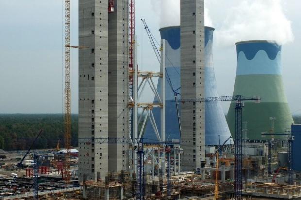 Inwestycje w nowe moce w energetyce - do celu wciąż daleko