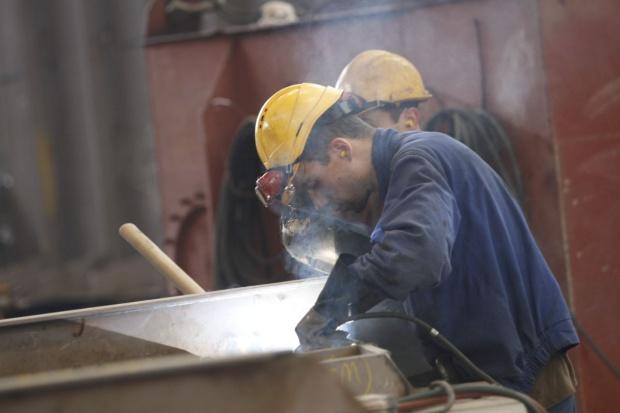Wyraźny wzrost produkcji sprzedanej przemysłu