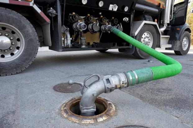 Szara strefa w paliwach oddaje pole?
