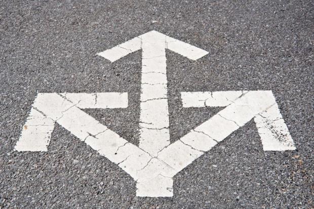 Właściwości przeciwpoślizgowe nawierzchni drogowych a bezpieczeństwo ruchu samochodowego
