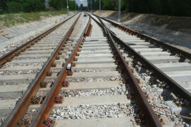 Przetarg na kluczowy odcinek kolejowy na linii E20