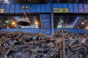 Tania stal z Chin spowodowała załamanie rynku złomu
