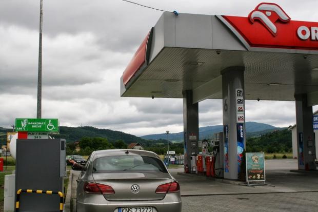 Bankomaty dla kierowców na stacjach