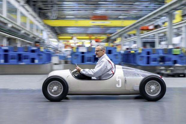 """Audi """"wydrukowało"""" zabytkowy model"""