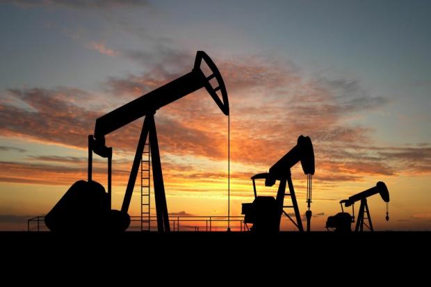 MAE: światowe wydobycie ropy wzrosło o 2 proc.