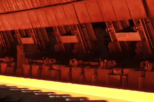 ArcelorMittal: dopływ taniej stali z importu rozregulował rynek