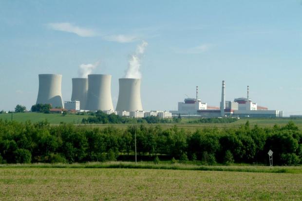 Spory spadek zysku CEZ w pierwszych trzech kwartałach br.