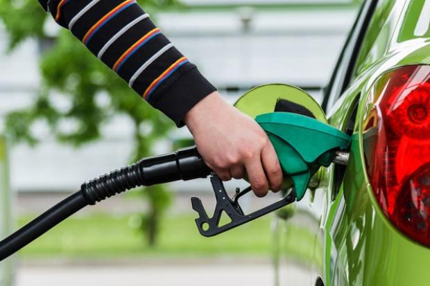 Potężne podwyżki na stacjach paliw