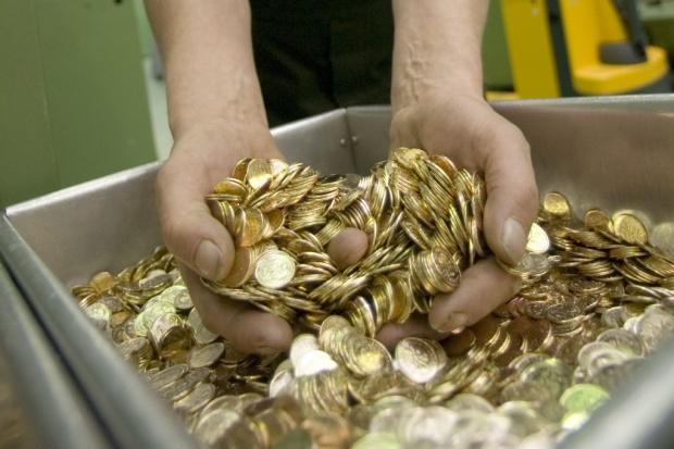 Co z monetami o małych nominałach?