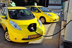 Ponad 500 elektrycznych taksówek Nissana w Europie