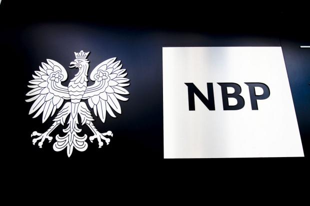 NBP: wzrost dochodów gospodarstw domowych