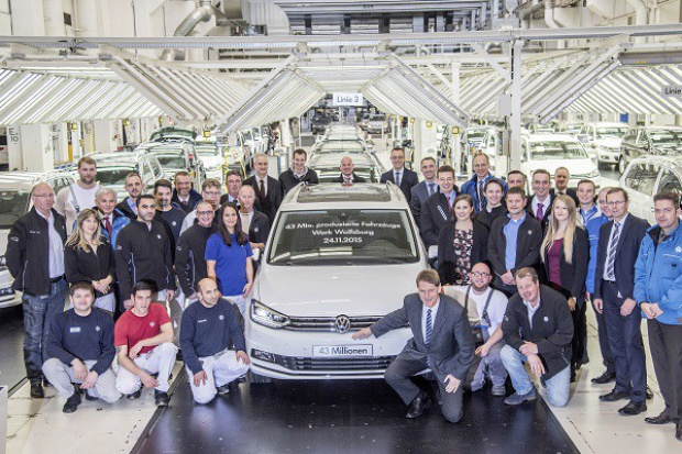 43 000 000 aut z Wolfsburga
