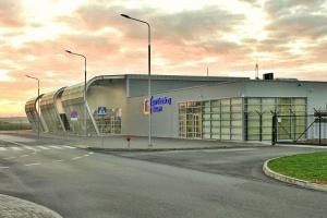 Radni zastanowią się nad przyszłością lotniska w Radomiu