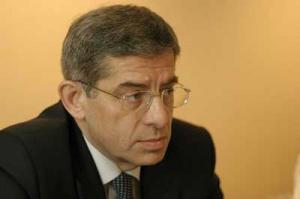 Marek Kossowski – od lipca zeszłego roku jest prezesem PGNiG SA. W latach 2001-03 jako podsekretarz stanu w Ministerstwie Gospodarki odpowiadał za politykę energetyczną i przewodniczył zespołowi roboczemu, prowadzącemu renegocjacje kontraktu jamalskiego.