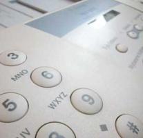 Bartosz Max, Dyrektor Departamentu Rozwoju Produktu Telefonii Dialog: – Od dwóch lat Dialog oferuje klientom możliwość skorzystania z usługi BiznesNet – jest to usługa wirtualnej prywatnej sieci transmisji danych realizowanej w technologii MPLS IP VPN (Multi Protocol Label Switch; Internet Protocol; Virtual Private Network), która pozwala na zbudowanie sieci korporacyjnej, łączącej oddziały firmy w oparciu o infrastrukturę sieciową operatora telekomunikacyjnego jakim jest Dialog. Główną zaletą usługi BiznesNet w porównaniu do sieci VPN budowanych z wykorzystaniem tradycyjnych łączy dzierżawionych lub zestawianych kanałów cyfrowych PVC w technologiach Frame Relay lub ATM między poszczególnymi lokalizacjami są aspekty ekonomiczne.