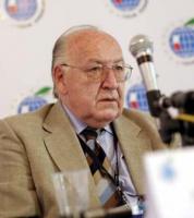 Stanisław Ciosek, doradca prezydenta ds. międzynarodowych i wieloletni polski ambasador w Związku Radzieckim oraz Rosji