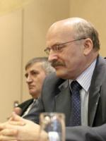 Od lewej: Jerzy Małyska, prezes Naftobaz; Paweł Olechnowicz, prezes Grupy Lotos