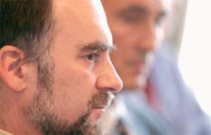 <b>Robert Zioło</b>, szef teleinformatyki w Policach:  – Przedsiębiorstwo ma świadomość, że outsourcing niektórych procesów staje się nieuchronny, ale musimy jeszcze przyjrzeć się jego korzyściom ekonomicznym.