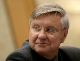 <strong>Zbigniew Olszewski</strong>, prezes EGL Polska: – Problemy na rynku energii, z mniejszym lub większym nasileniem, zawsze będą występowały. Pomimo wielu niedociągnięć na rynku energii, dokonujące się na nim zmiany idą, zdaniem prezesa Olszewskiego, w dobrym kierunku. Do ostatnich, najważniejszych zmian rzutujących na działalność spółek obrotu należy konsolidacja spółek dystrybucyjnych oraz otwarcie wymiany międzysystemowej 1 maja 2004 r.