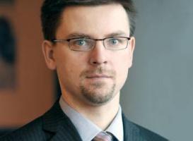 <strong>Artur Sawicki</strong>, menedżer rozwiązań motoryzacyjnych QAD Polska uważa, że polscy pracownicy są coraz lepiej wyedukowani, a jeszcze kilka lat temu musieli się uczyć od swoich zachodnich partnerów. Teraz bardzo często przewyższają ich zarówno umiejętnościami, jak i wiedzą.