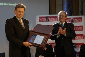 Prof. Leszek Balcerowicz, z prawej Janusz Steinhoff, laureat tytułu z roku 200