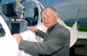 – Duże firmy lotnicze od lat borykają się ze sporymi problemami finansowymi. Większość z nich albo upadła, albo przeżywa nie najlepszy okres – uważa <strong>Edward Margański</strong>, konstruktor samolotu Orka, współwłaściciel zakładów lotniczych Margański&Mysłowski. – Wyjściem z tej sytuacji jest kooperacja z koncernami międzynarodowymi.