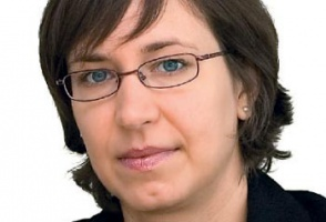 * Autorka jest dyrektorką w Dziale Audytu Deloitte, członkiem Stowarzyszenia Biegłych Rewidentów w Wielkiej Brytanii (Association of Certified Chartered Accountants) oraz Polskiego Komitetu Standardów Rachunkowości. Specjalizuje się w polskim prawie bilansowym oraz Międzynarodowych Standardach Sprawozdawczości Finansowej.