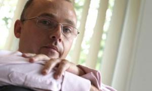 Ponad 100 mln USD! przeznaczył na akwizycje <B>Przemysław Sztuczkowski</B> prezes Złomrexu  W ubiegłym roku Złomrex przejął Hutę Stali Jakościowych i Walcownię Blach z Grupy Stalowa Wola oraz Centrostal Górnośląski. Ostatnio Złomrex nabył udziały giełdowego Centrostalu Gdańsk.