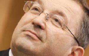 Bogdan Rogala prezes Zarządu Philips Lighting Poland: Konkurowanie o nowe inwestycje między krajami i regionami jest coraz silniejsze. Mankamentem regionu Wielkopolski jest niedobór atrakcyjnych terenów inwestycyjnych, w tym zwłaszcza objętych preferencjami specjalnej strefy ekonomicznej, które byłyby w stanie przyciągnąć duże inwestycje, a w ślad za nimi firmy kooperujące i usługowe.