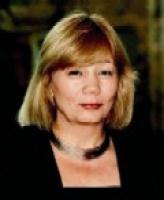 Prof. <b>Elżbieta Mączyńska</b>, prezes Polskiego Towarzystwa Ekonomicznego: <b>Ta bańka może pęknąć</b>  - Według teorii perspektywy Kannehmana, ludzie w podejmowaniu decyzji ekonomicznych niekoniecznie kierują się racjonalnymi przesłankami, które by wynikały z rachunku efektywności inwestycji. Poddają się emocjom.   Notowania giełdowe spółek, które kontroluje Roman Karkosik to przykład tego, jak bardzo się nimi kierują. Gdy widzą, że coś idzie dobrze (cena akcji wciąż rośnie), to często nie biorą pod uwagę, że może się to zmienić. Na to nakłada się tzw. awersja do strat - nawet, jeśli ktoś wie, że osiągnie straty, to nie jest skłonny szybko sprzedawać akcje - chyba, że na rynku zapanuje panika. Myślę, że rozpiętość pomiędzy rzeczywistą wartością tych spółek, a tym jak ona została rozdęta na giełdzie jest tak duża, że ta bańka może pęknąć.