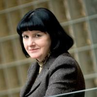 Stefania Kasprzyk, prezes PSE Operator, odpierając zarzuty przedstawicieli spółek obrotu przypomina, ze połączen transgranicznych nie rozbuduje się w ciągu miesiąca, a działanie takie wymaga wielostronnych i długotrwałych negocjacji.