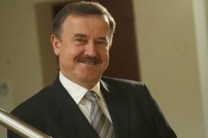 Podpisanie umowy dzierżawy w 1992 r. oznaczało wzięcie odpowiedzialności za 2700 pracowników - wspomina Piotr Janeczek.