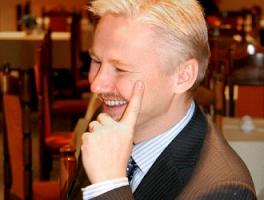 Decyzja o rozpoczęciu outsourcingu powinna być zawsze poprzedzona dokładną analizą, czy aby na pewno dany proces biznesowy lub usługę warto outsourcować, czy też może bardziej opłacalne jest jej zrealizowanie we własnym zakresie- mówi Andrzej Biesiekirski, prezes zarządu, Fild.NET. - Kolejny podstawowy czynnik, który należy bardzo dokładnie rozważyć, to kompetencje i reputacja zewnętrznego partnera. Uzyska on dostęp do wielu, często kluczowych dla firmy danych, dlatego rozpoczęcie z nią współpracy powinno być poprzedzone dobrym sprawdzeniem. Koszty usług zależą od stopnia skomplikowania realizowanych outsourcowanych usług, a także skali korzyści, jakie przynoszą firmie. W przypadku outsourcowania zewnętrznych zasobów informatycznych do rozwoju posiadanych systemów, koszty te wahają się od 150 zł do nawet 1200 zł za roboczogodzinę.