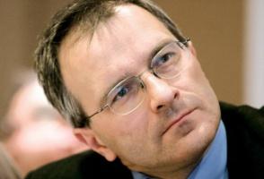 - W Polsce, tak jak w starej Unii, będzie rósł udział samochodów z silnikiem diesla - uważa Wojciech Drzewiecki z Samaru